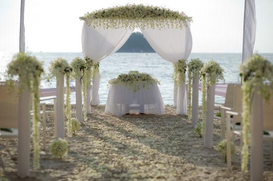 普吉岛卡塔海滩船屋酒店推出全新套餐