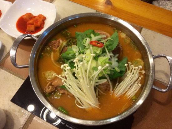 盘点虹泉路韩国料理 椰坛韩式土豆汤图片