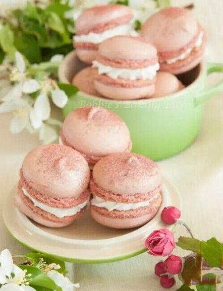 富士山下樱花盛开 品尝粉色少女心的日本美食