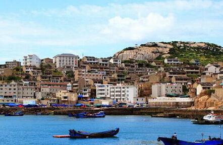 浙江舟山市   舟山,是全国唯一以群岛设市的地级行政区划,由1390个