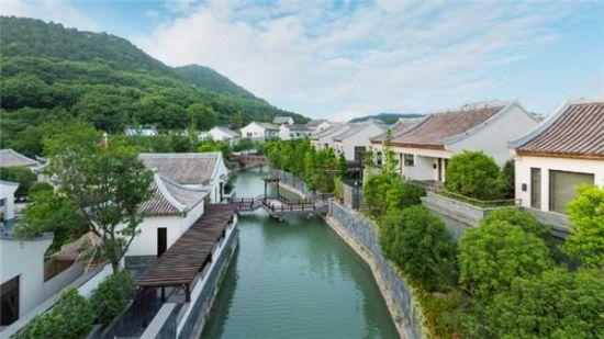 价格:平日每间¥1158起   地址:扬州广陵区泰安镇凤凰岛路   宁波