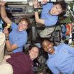飞天凤凰:那些挑战太空的女宇航员们