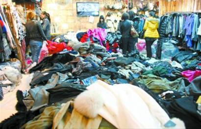 位于杭州的服装批发市场成了部分上海