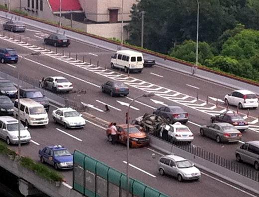 事故现场(图片来源网络)