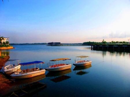 """神秘的""""长寿之乡""""   定安县位于海南岛东北部内陆,与省会海口仅一"""