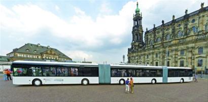 德国德累斯顿诞生世界上最长的巴士 IC图片