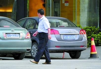 沪C牌照机动车将来有可能纳入有限额度政策 晚报 龚星 现场图片