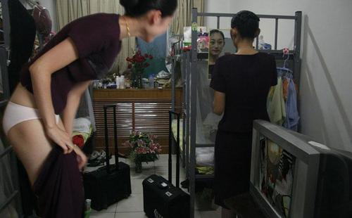 上海空姐门女主角图 上海最美空姐生活照 上海空姐全套照片