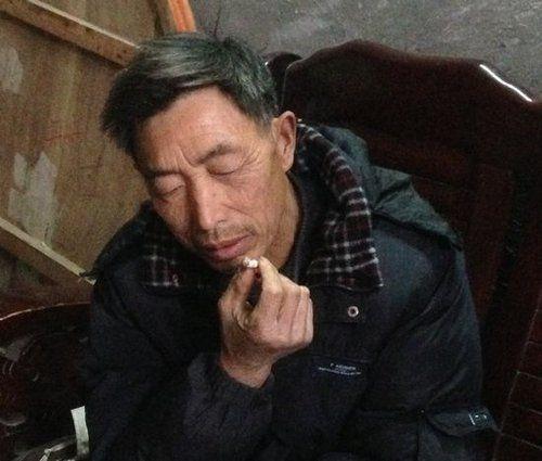 东北50岁男人生活照