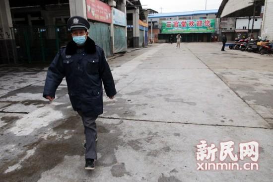 上海暂停活禽交易批发市场成一座空城(组图)