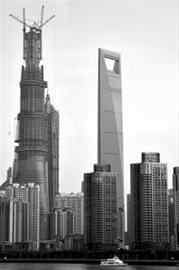 """""""上海中心""""已达501.3米,明显高出上海环球金融中心"""