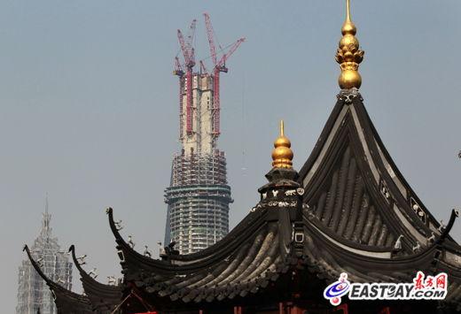 在建中的上海中心(今年4月11日摄)