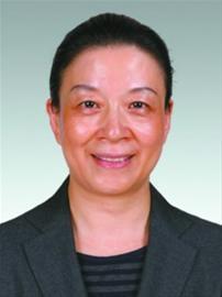 钟景秋 女,1960年 8月出生,汉族,籍贯浙江宁波,全日制中专,在职研究生,工商管理硕士,经济师,1980年 8月参 加 工 作 ,1983年12月加入中国共产党。现任上海市财政局副巡视员。拟任上海市财政局总经济师。