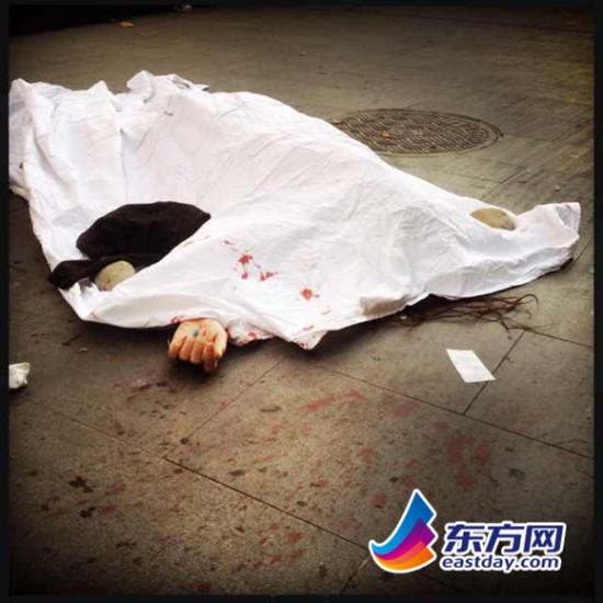 中山公园新时空国际商务广场一女子坠楼。