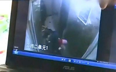 10岁女恶童摔打1岁半男童 疑将其抛下25楼