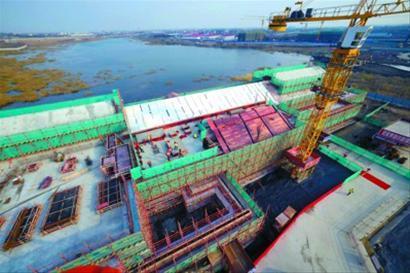 上海迪士尼度假区内首幢建筑完成结构封顶