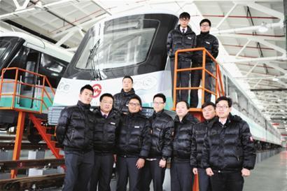 """上海地铁""""夜猫""""试车组"""