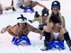 俄千人裸体滑雪