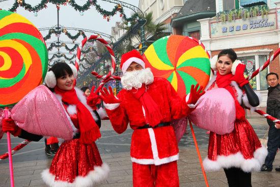 2014上海欢乐谷夜场_最炫圣诞风 2013上海欢乐谷圣诞嘉年华浪漫来袭_旅游资讯_新浪上海