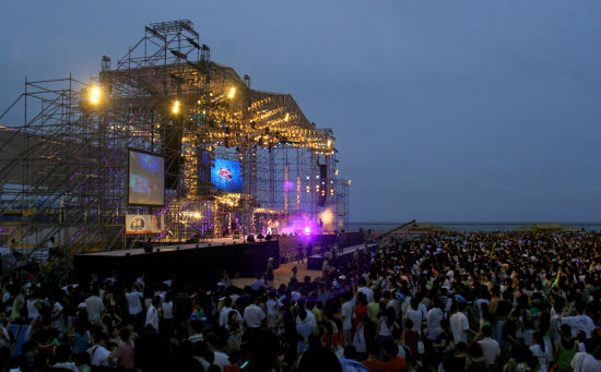 沙滩音乐节_金山美生活之沙滩音乐节_旅游资讯_新浪上海